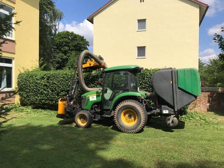 Pflege von Grünflächen und Außenanlagen